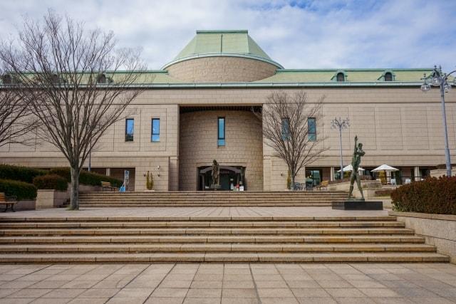 大きな美術館