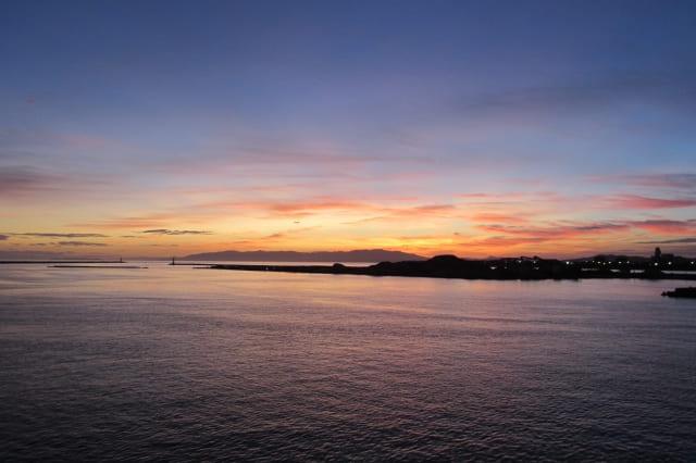海と夕暮れ