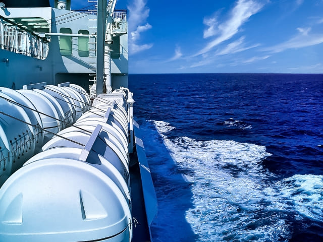 航行中の船舶