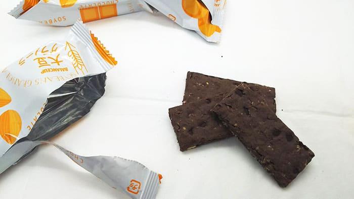 チョコレート味の食品
