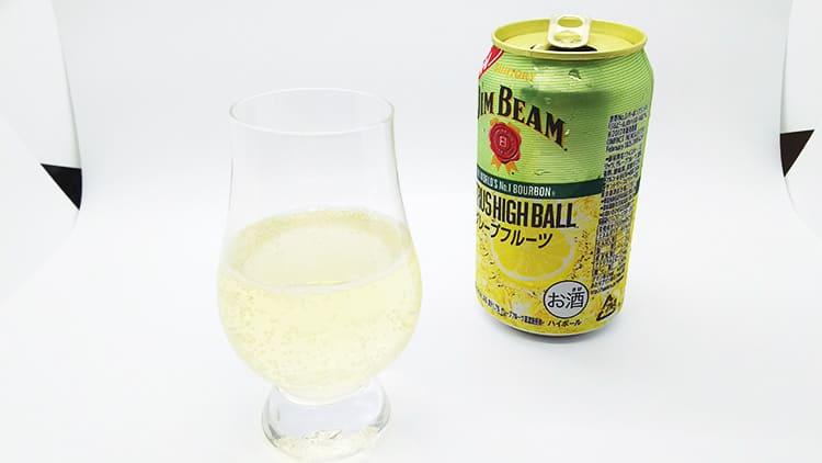 ジム・ビームハイボール缶とグレンケアン