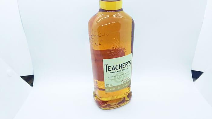ウイスキーのフルボトル