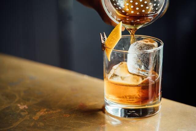 ウイスキーを使用したカクテル
