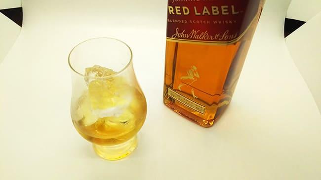 スコッチウイスキーのロック