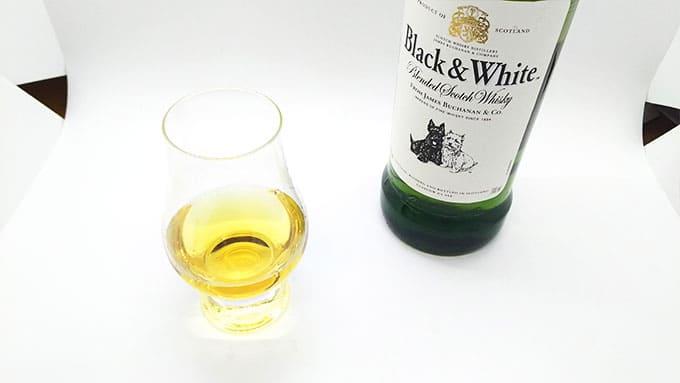 ブラックアンドホワイトのトワイスアップ