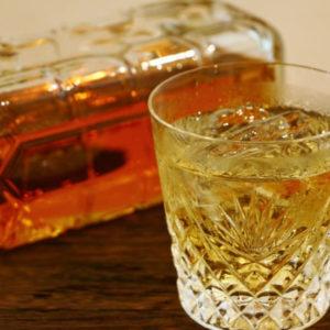 角瓶とオン・ザ・ロック ウイスキー