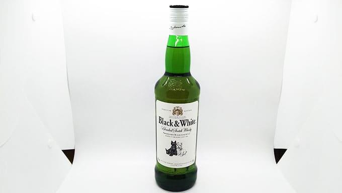 ウイスキー ブラックアンドホワイト